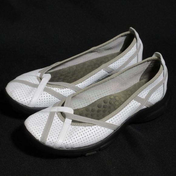 Clarks Privo Pberry White Leather Flats